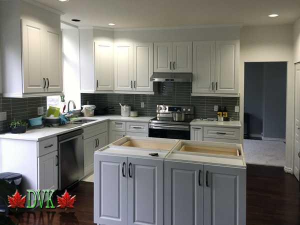 Kitchen Cabinets Vancouver 23 Mc White Raised Panel Dvk Discount Price For 10 X10 Kitchen 2299 00
